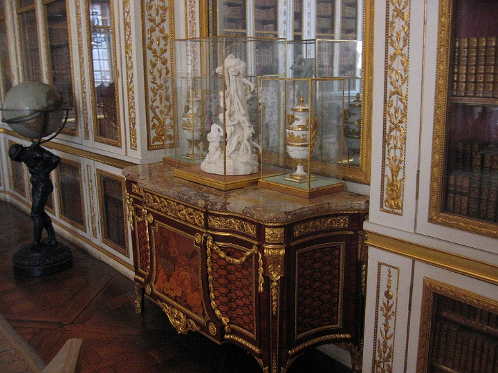 Favorite destinations versailles france 135 versailles for Chambre louis xvi versailles